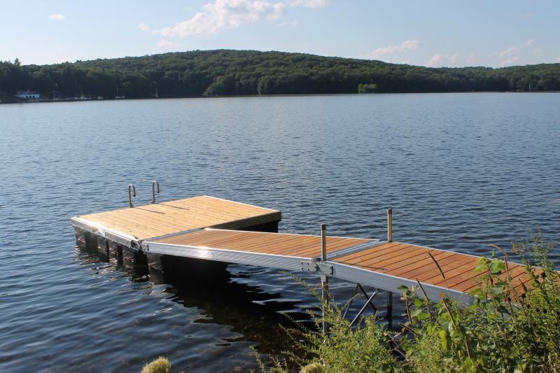 DuraLite Hybrid Dock