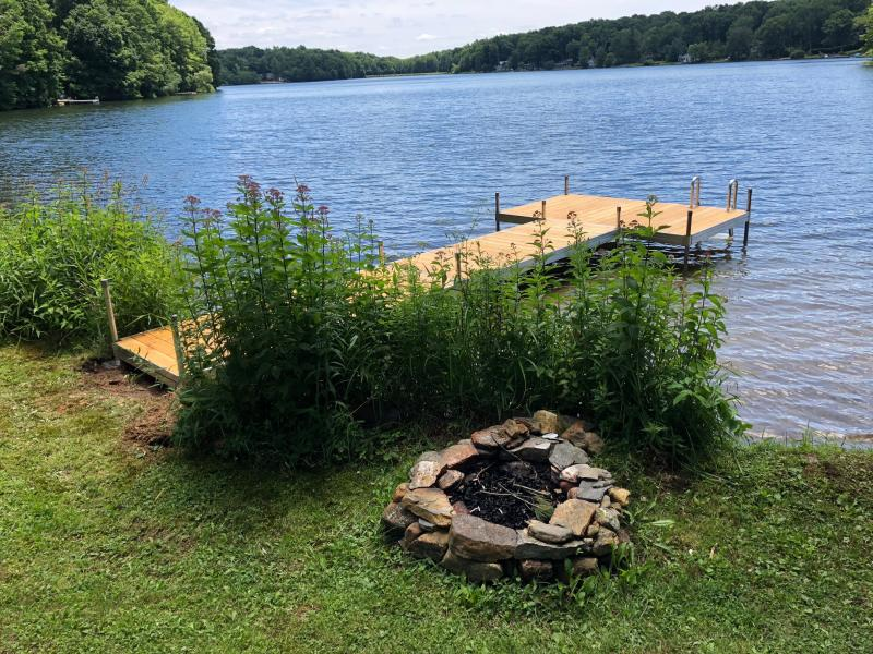 Ashford Lake, Ashford Ct, Featherlite Dock